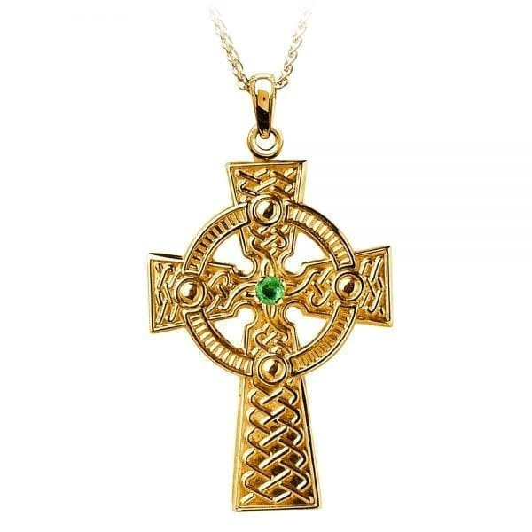 Traditional Celtic Knot with Emerald –  Medium