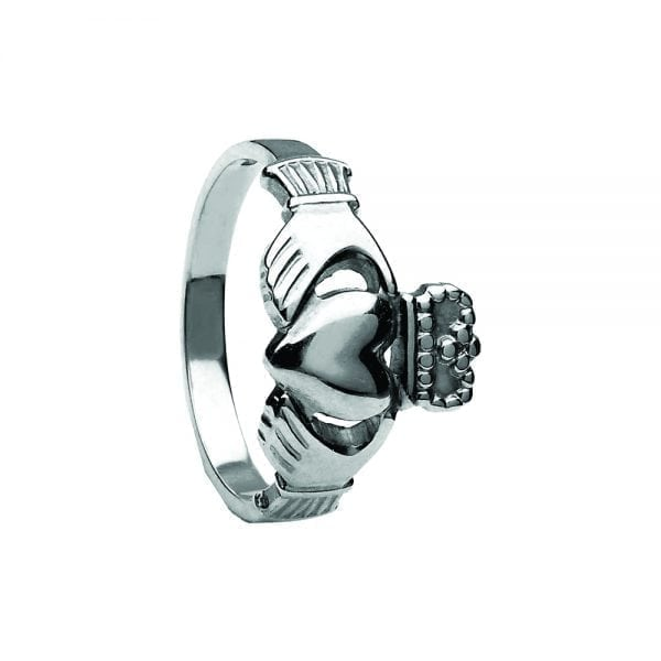 Ladies Traditional Style Claddagh Ring