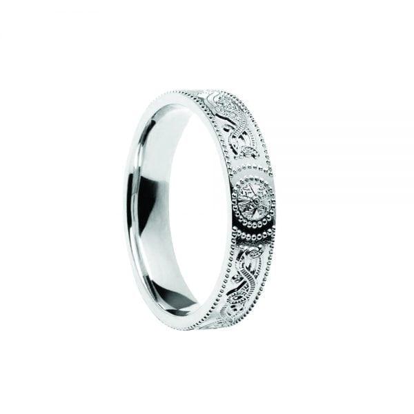 Court Shaped CW Shield Wedding Ring – Narrow